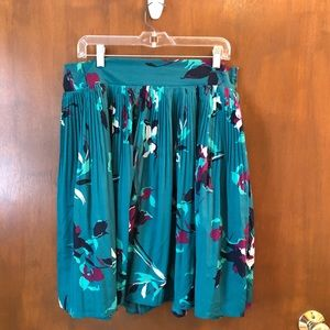 Merona skirt; size L